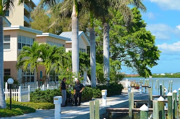 Picture of Barefoot Beach Resort in Indian Shores