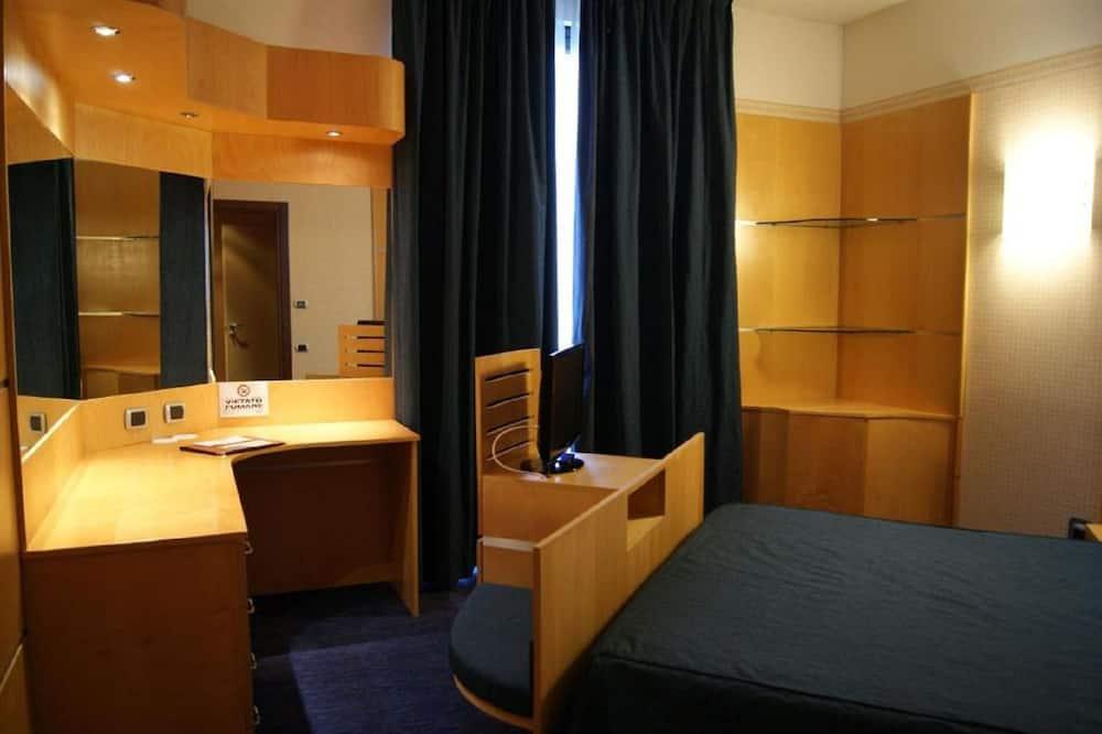 ห้องสวีท, เตียงควีนไซส์ 1 เตียง และโซฟาเบด - ห้องนั่งเล่น