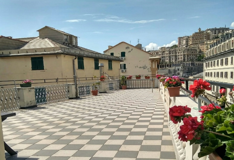 加拉塔酒店, 吉那歐, 陽台