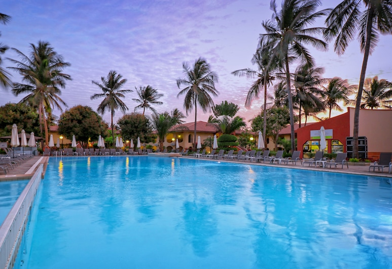 Ocean Bay Hotel & Resort, Bakau
