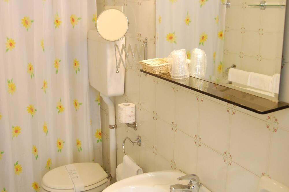 Štandardná izba, 2 jednolôžka - Kúpeľňa