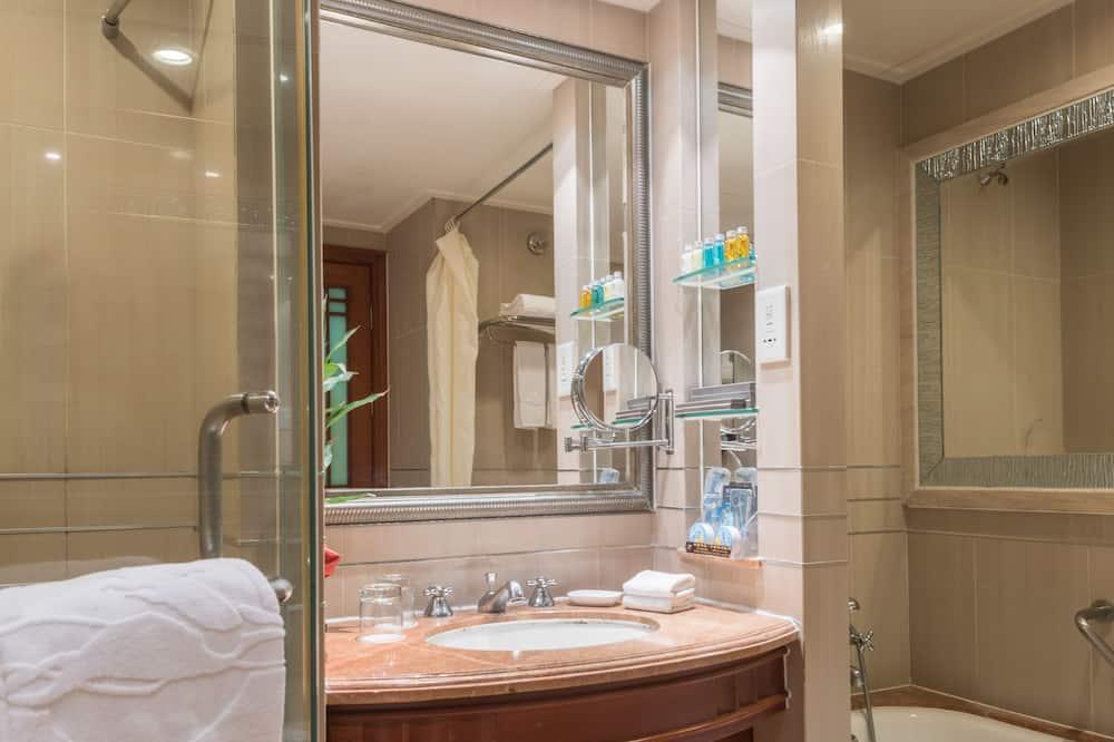 Superior-Suite - Badezimmer
