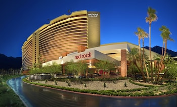 Enter your dates for special Las Vegas last minute prices