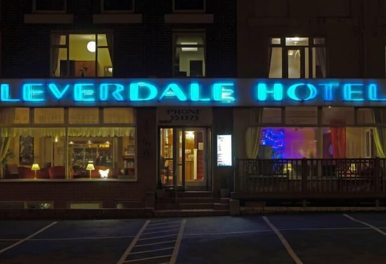 Leverdale Hotel, Blackpool, Hotel Front – Evening/Night