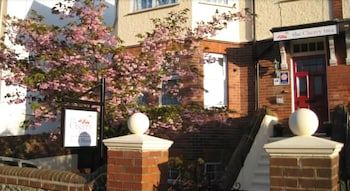 Picture of The Cherry Tree Guest House in Eastbourne