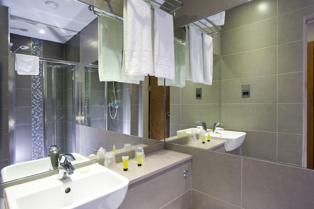 Klasikinio tipo dvivietis kambarys - Vonios kambarys