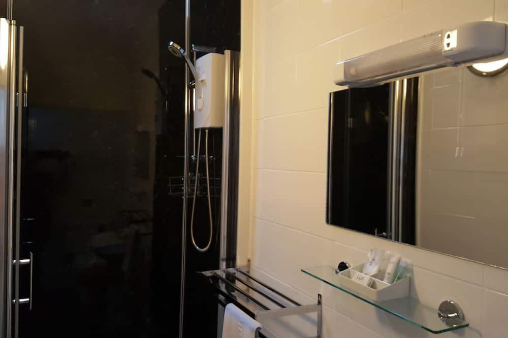 Chambre Simple, salle de bains attenante - Salle de bain