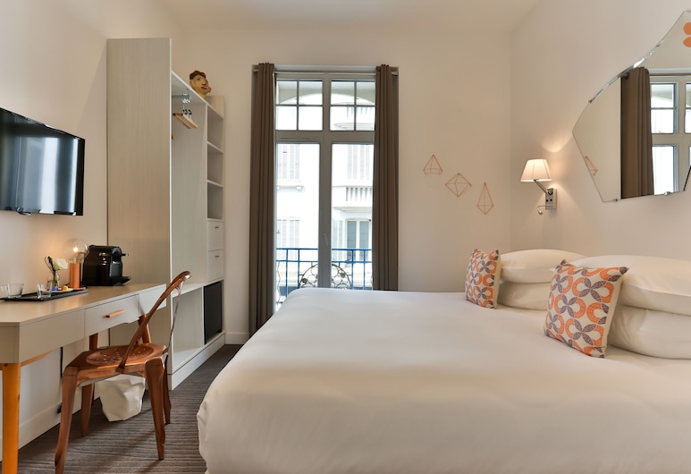 Hôtel Simone Cannes Centre, Cannes, Classic Double or Twin Room, Guest Room
