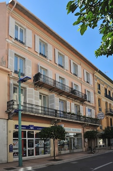 Enter your dates to get the Menton hotel deal