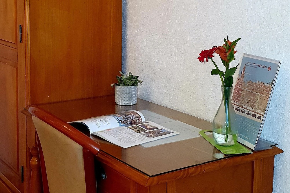Kolmen hengen huone - Oleskelualue
