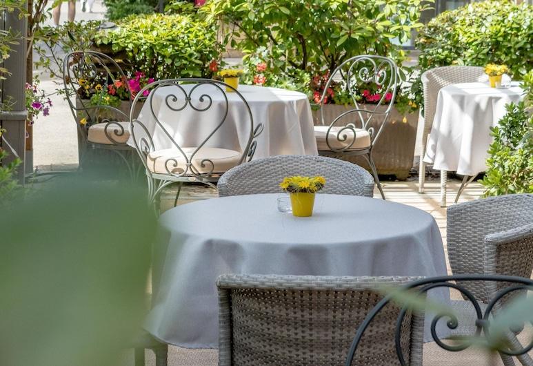 Hotel Rotonde, Aix-en-Provence, Terasa