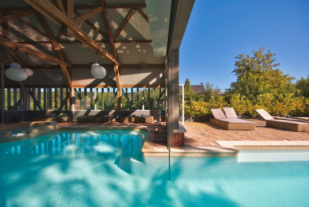 Book Hotel de La Licorne & Spa Nuxe in Lyons-la-Foret | Hotels.com