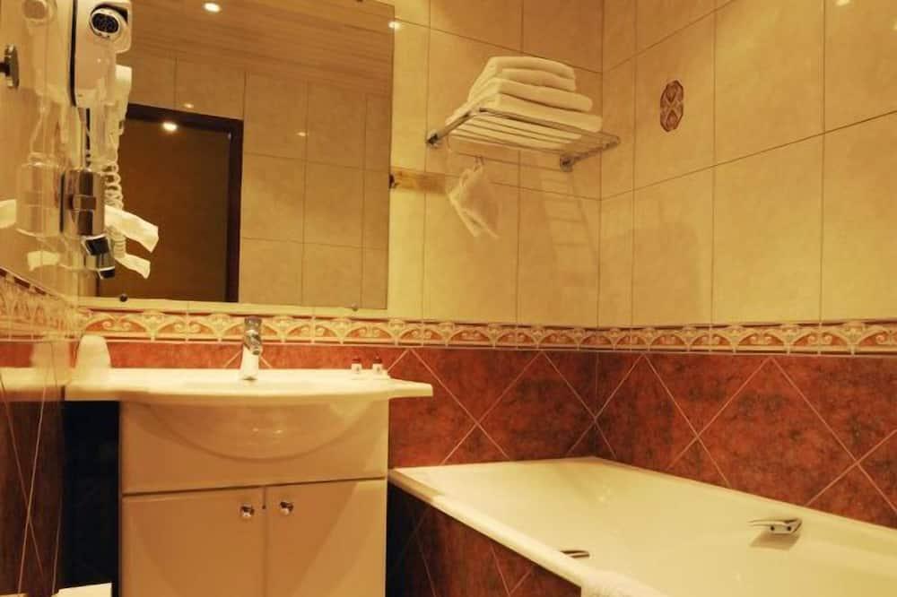 Номер «Делюкс» (1 двоспальне або 2 односпальних ліжка) (Charlemagne) - Ванна кімната