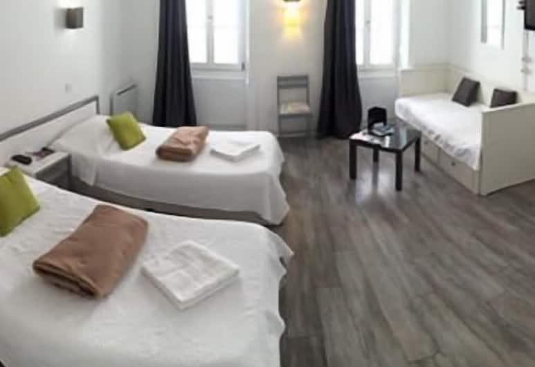 Le Petit Hôtel, Biarritz, Trīsvietīgs numurs, Viesu numurs