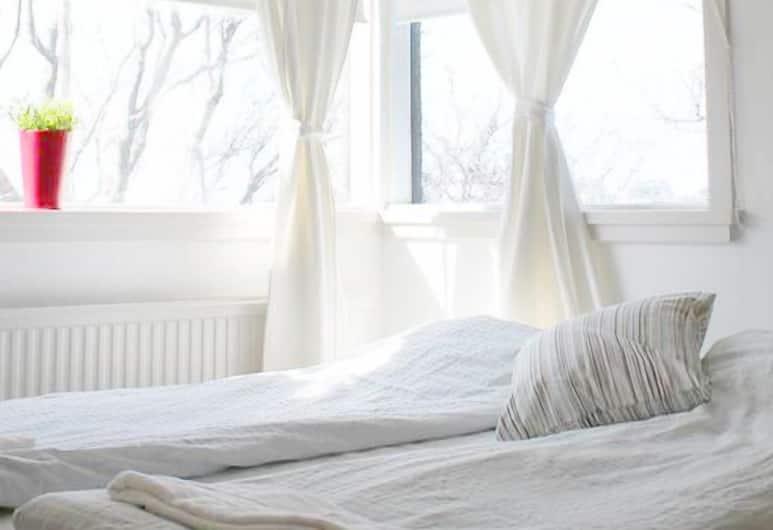 Reykjavik Hostel Village, Reykjavik, Standard Room, 2 Twin Beds, Guest Room