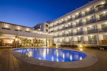 Introduce sus fechas y vea precios de hoteles última hora en Nerja