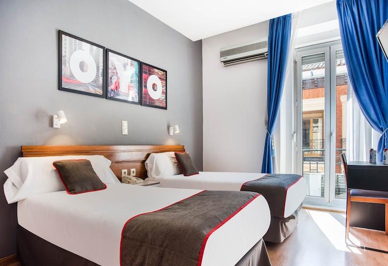 OYO Hostal Felipe V, Madrid, Habitación con 2 camas individuales, vistas a la ciudad, Habitación