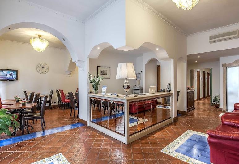 Hotel Caracciolo, Róma, Recepció