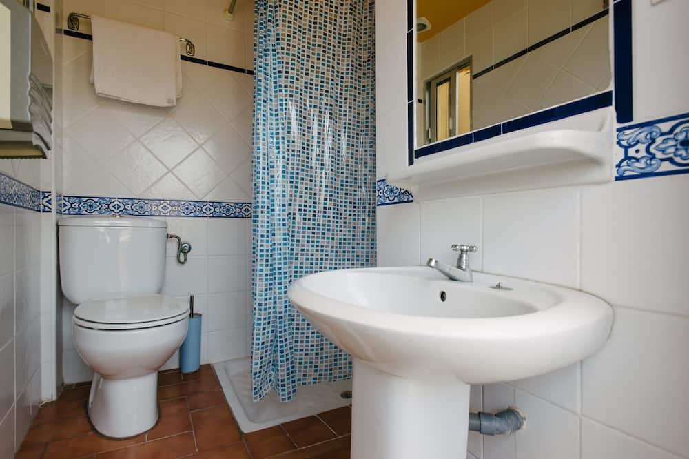 Chambre Simple, salle de bains privée, rez-de-chaussée - Salle de bain