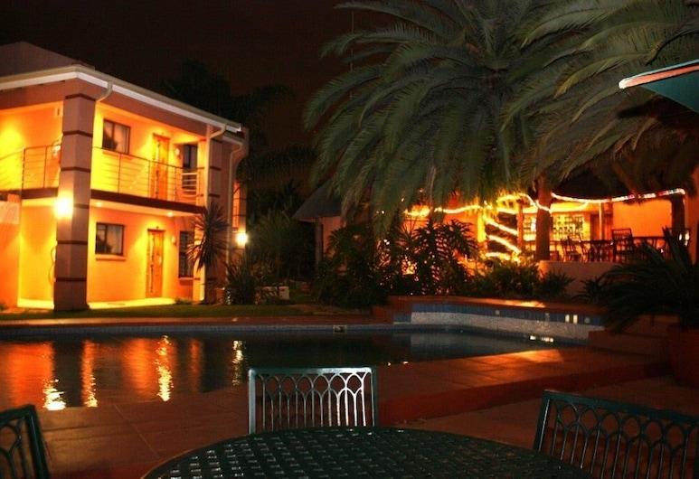 Eagles Nest Lodge, Sandton, Hotel Front – Evening/Night