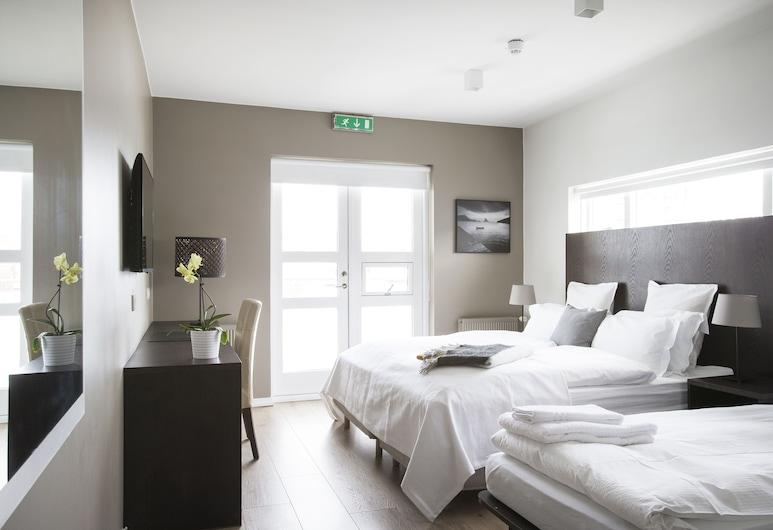 Hotel Odinsve, Reykjavik, Triple Room, Guest Room