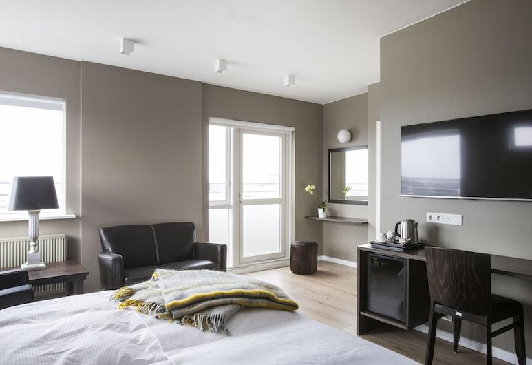Hotel Odinsve, Reikiavik, Suite junior, balcón, vista a la montaña, Habitación
