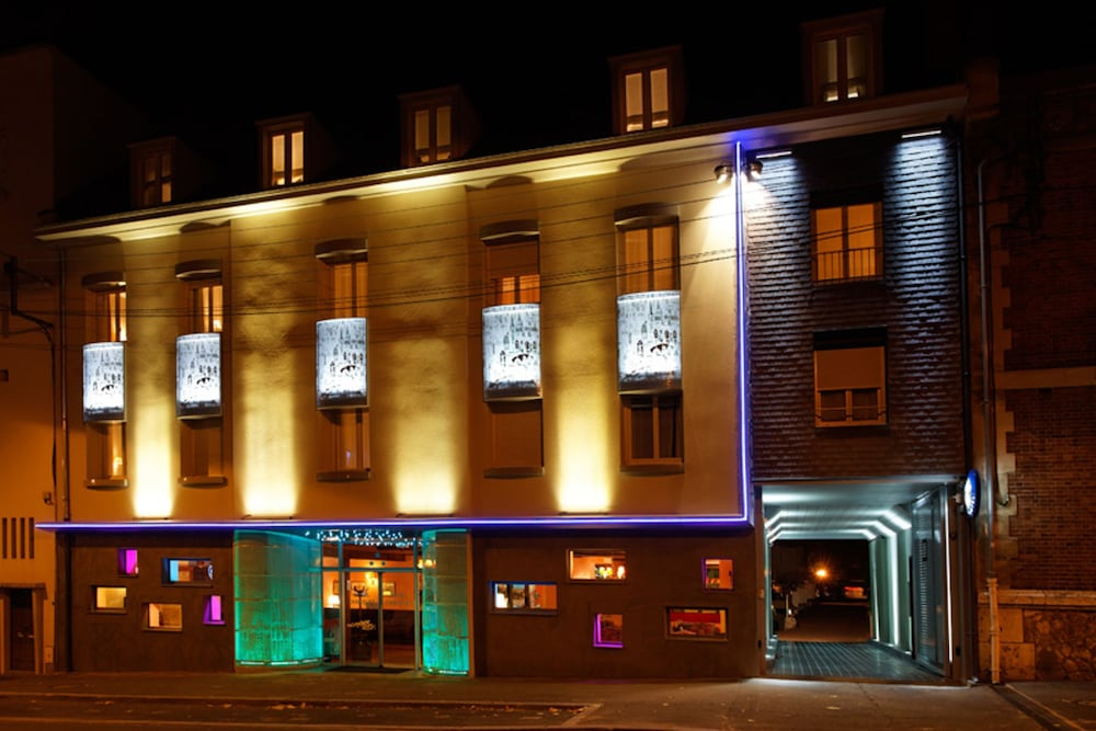 Timhotel Chartres Cathédrale, Chartres