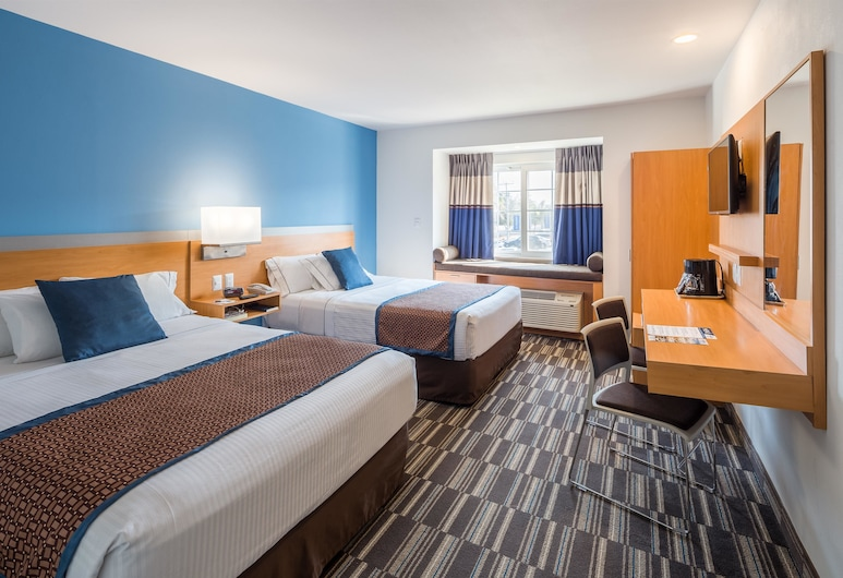 Microtel Inn & Suites by Wyndham Culiacan, Culiacan, Standard Room, 2 Queen Beds, Guest Room