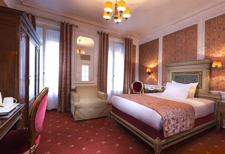 호텔 벨파스트, 파리