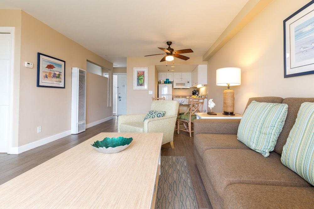 คอนโด, 2 ห้องนอน, ปลอดบุหรี่, ห้องครัวขนาดเล็ก - พื้นที่นั่งเล่น