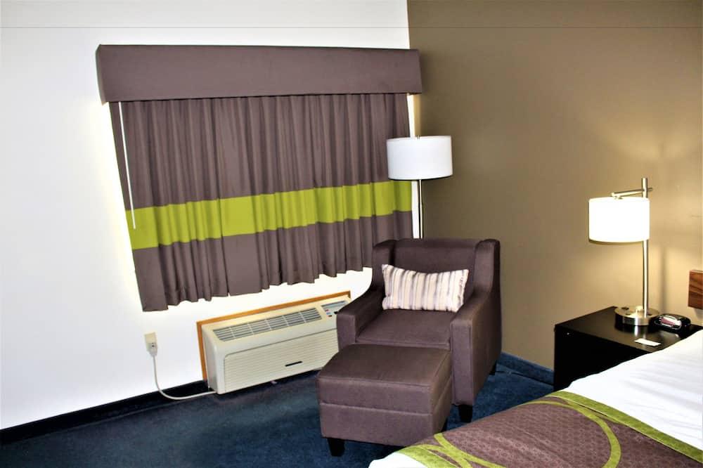 Standard Oda, 1 En Büyük (King) Boy Yatak, Sigara İçilmez - Oturma Alanı