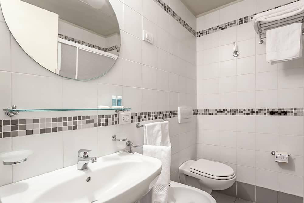 Rodinný pokoj (for 3 people) - Koupelna
