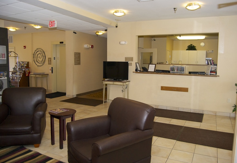 Candlewood Suites Elkhart, an IHG Hotel, Elkhart, Lobby