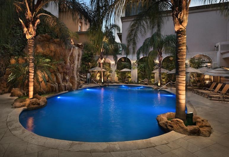 Safi Royal Luxury Valle, San Pedro Garza García, Piscina Exterior
