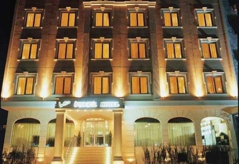 Topkapi Inter Istanbul Hotel, Istambuł, Fasada hotelu — wieczorem/nocą