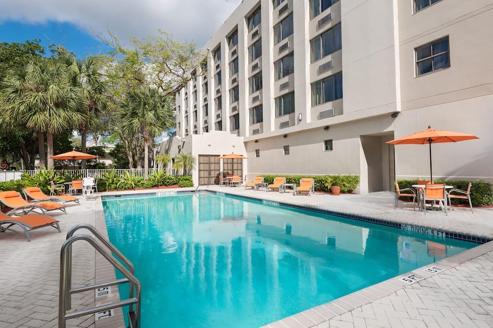 Holiday Inn Express Hotel & Suites Ft. Lauderdale-Plantation, an IHG Hotel, Plantation