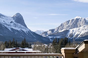 Picture of Fire Mountain Lodge in Canmore