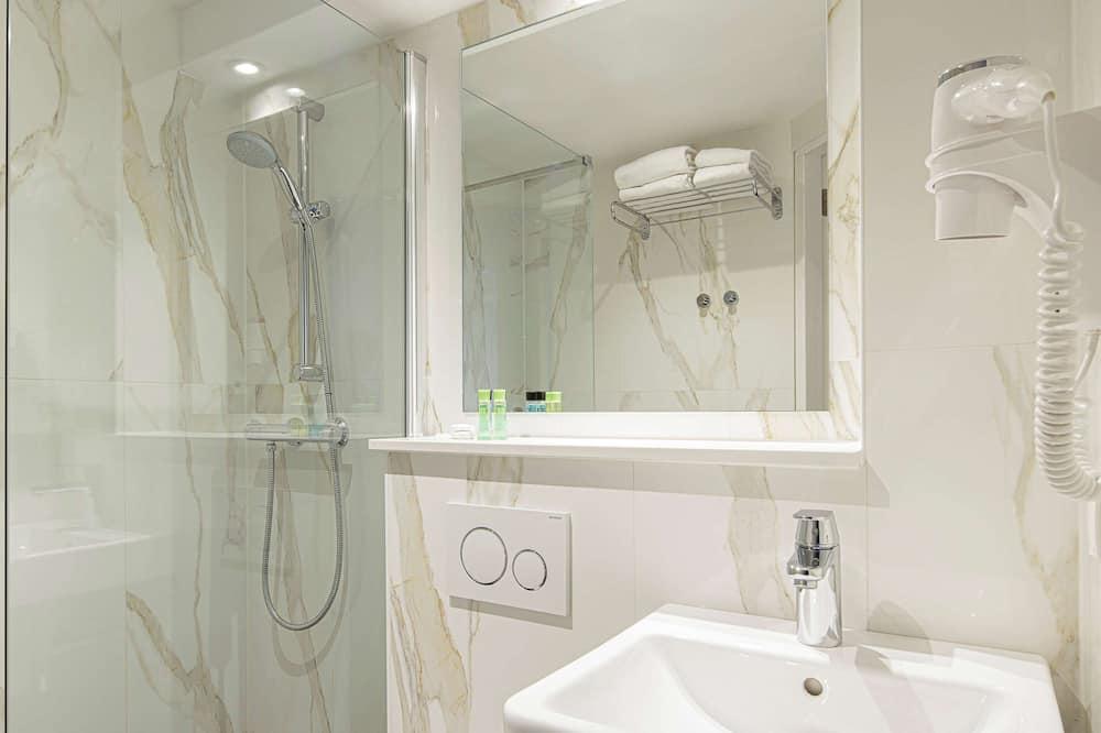 Doppelzimmer, 1 Doppelbett (Basement) - Badezimmer