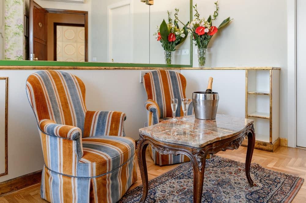 Suite (Single Use) - Ruang Tamu