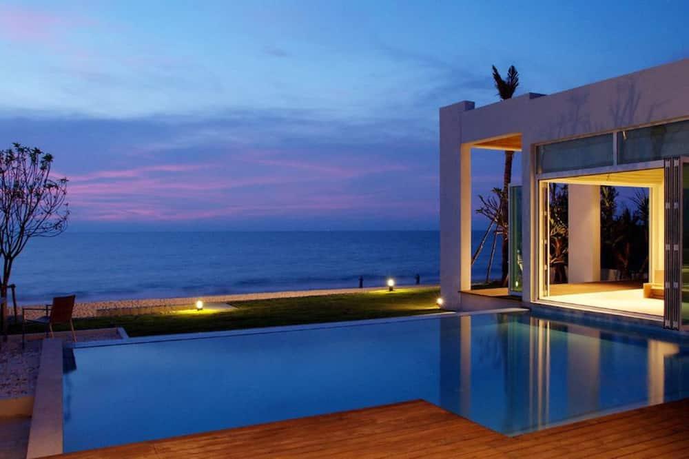 3 BR Beachfront Villa Spa Experience - Zimmer