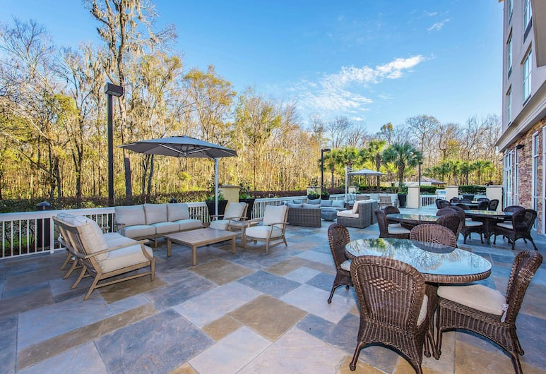 DoubleTree by Hilton North Charleston - Convention Center, North Charleston, Terraza o patio