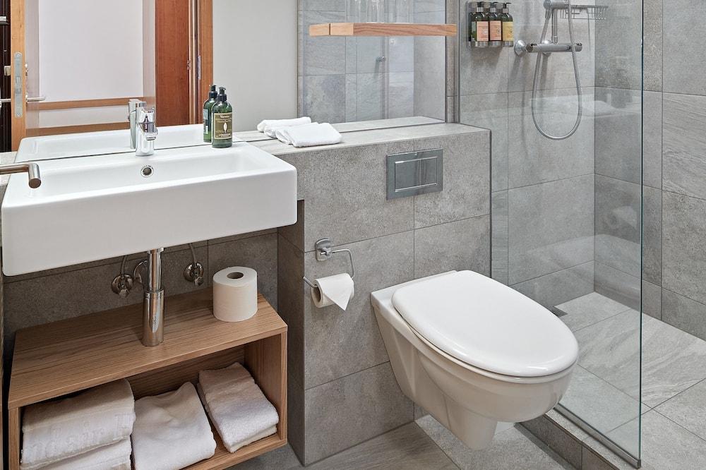 Kambarys, 1 viengulė lova - Vonios kambarys