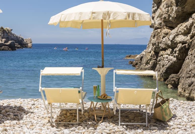 Relais Regina Giovanna, Sorrento, Beach