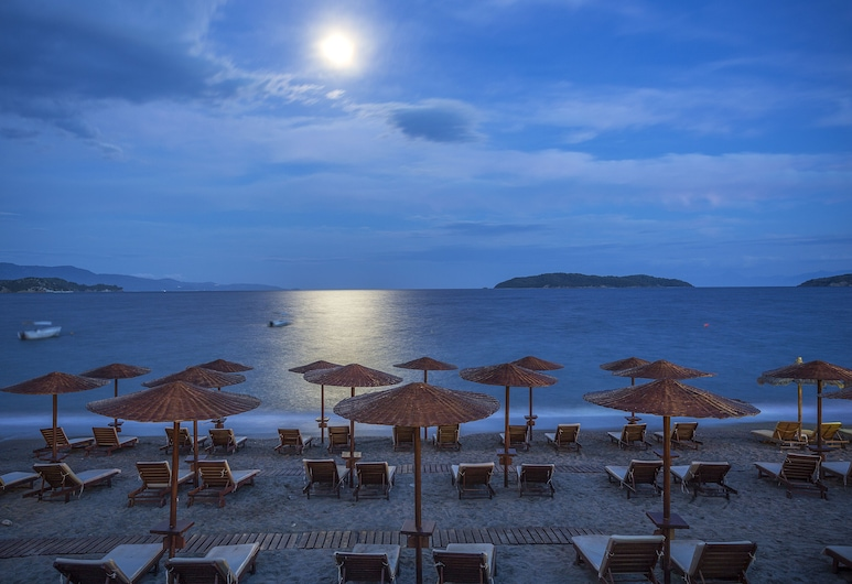 Kassandra Bay Resort, Suites & Spa, Скиатос, Пляж