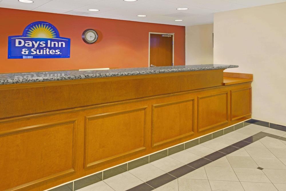 Days Inn Suites By Wyndham Laurel Near Fort Meade