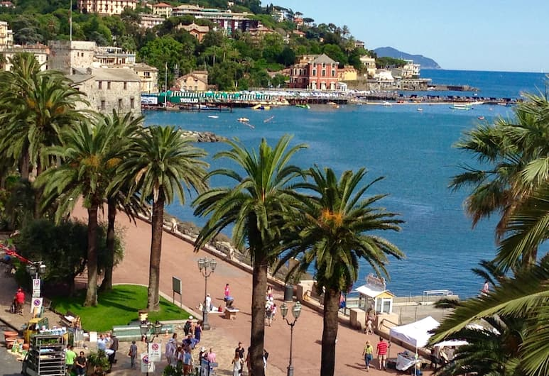 Hotel Vesuvio, Rapallo, Otelden görünüm