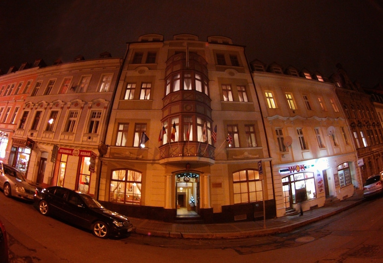 Hotel Derby, Karlovy Vary, Hotel Front – Evening/Night