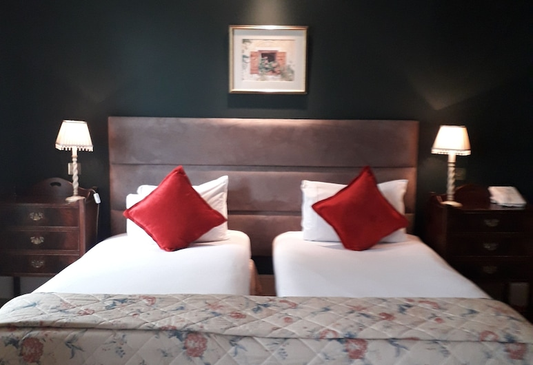 Red Lion Hotel, Henley-on-Thames, Standard Twin Room, Guest Room