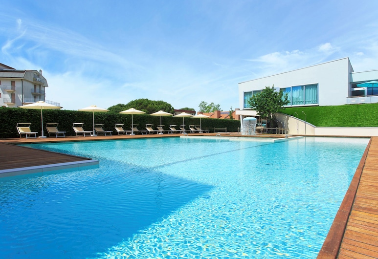 Domino Suite Hotel, Jesolo, Außenpool