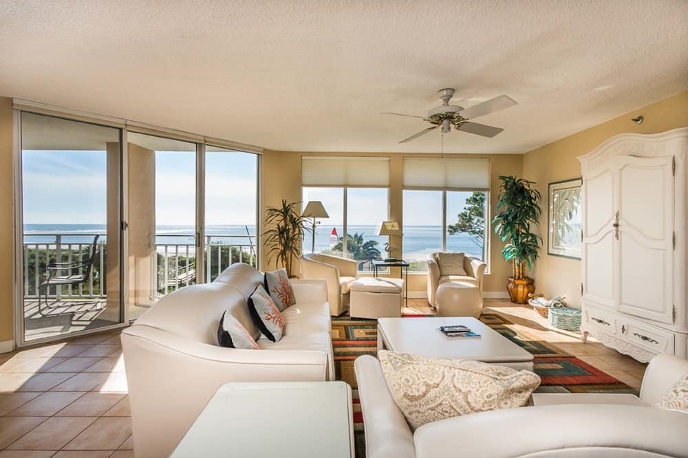 Квартира, 2 спальни, вид на океан - Зона гостиной